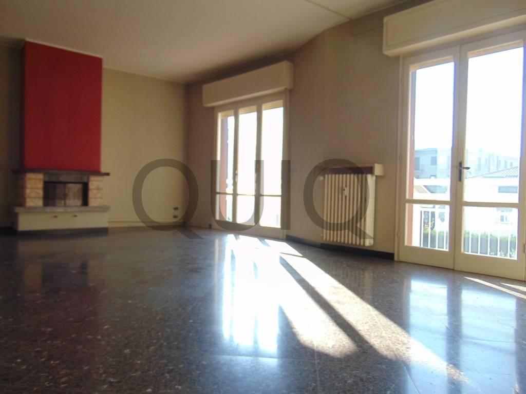 Appartamento in buone condizioni in vendita Rif. 8884511