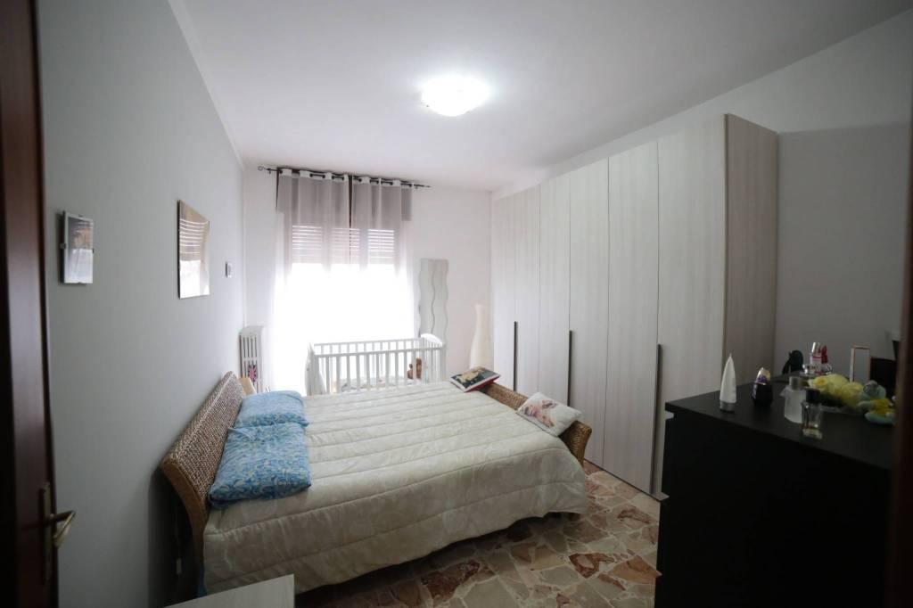 Appartamento in buone condizioni in affitto Rif. 8888320