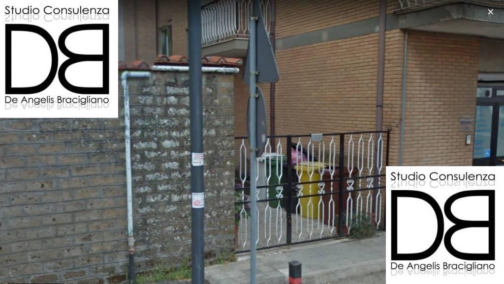 Appartamento in buone condizioni parzialmente arredato in vendita Rif. 8886283