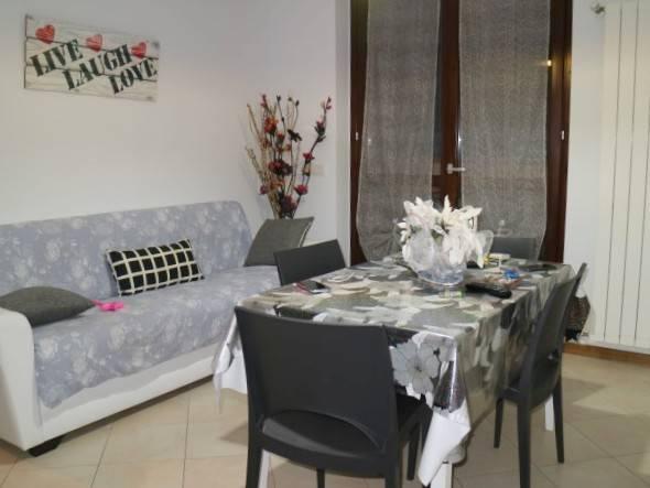 Appartamento in ottime condizioni arredato in vendita Rif. 8885644