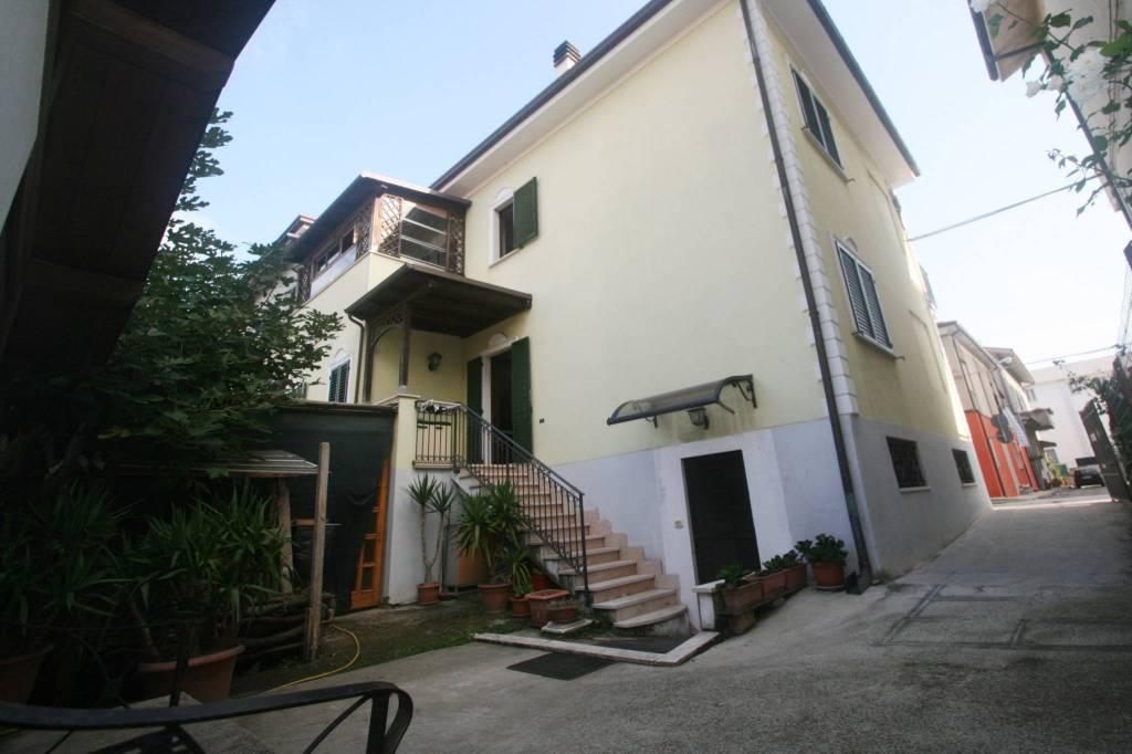 Casa Indipendente in ottime condizioni arredato in vendita Rif. 8885783