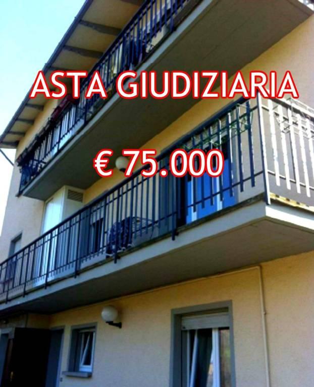 Appartamento in buone condizioni in vendita Rif. 8885686