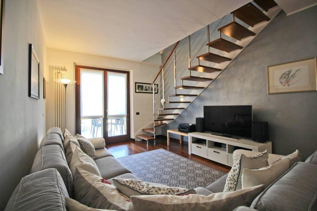 Appartamento in ottime condizioni in vendita Rif. 8887246
