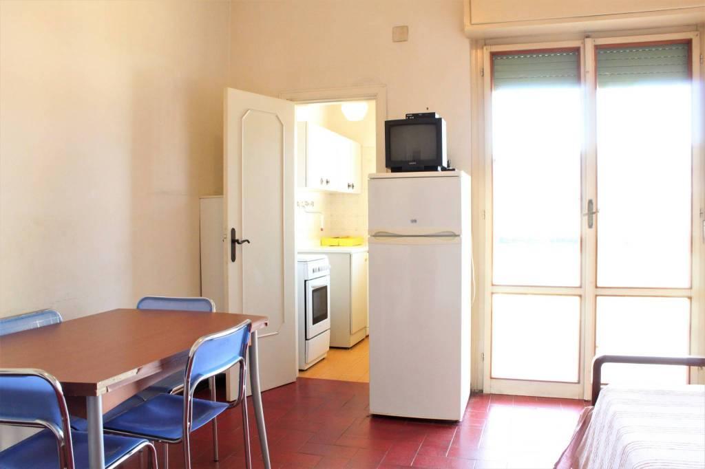 Appartamento in buone condizioni arredato in vendita Rif. 8897686
