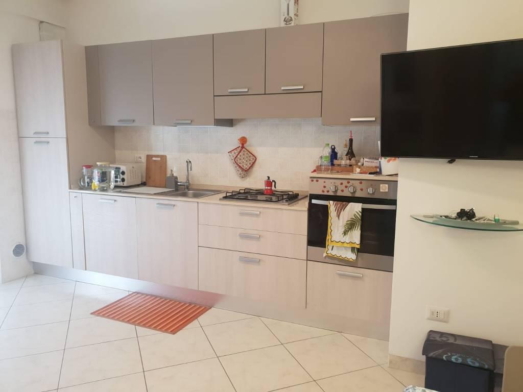 Appartamento parzialmente arredato in vendita Rif. 8895902