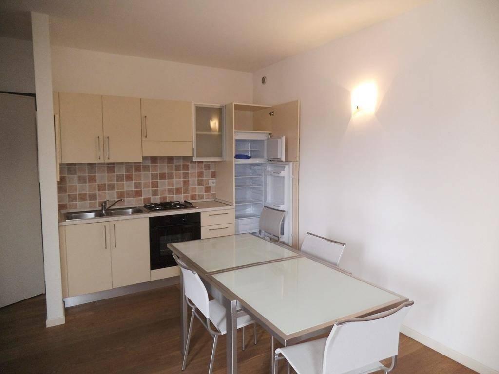 Appartamento in ottime condizioni arredato in affitto Rif. 8896655