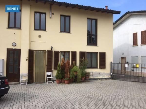 Appartamento in ottime condizioni in vendita Rif. 8900317