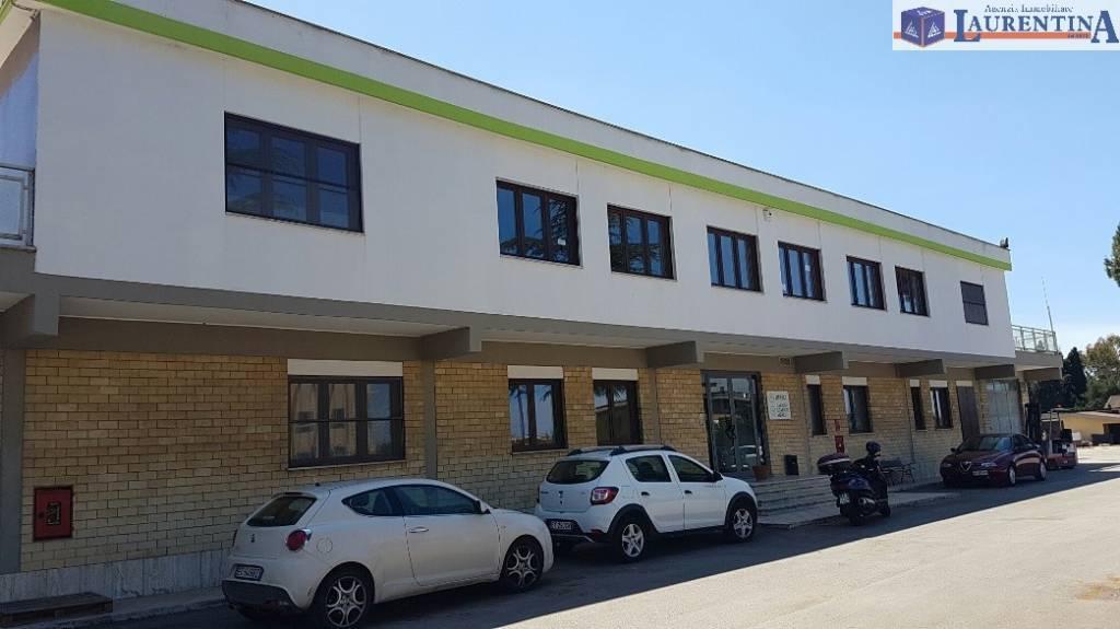 Ufficio in affitto Rif. 8896263