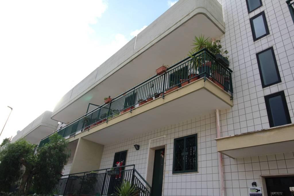 Appartamento in buone condizioni in vendita Rif. 8898239