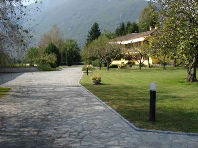 Villa in buone condizioni arredato in vendita Rif. 8895818