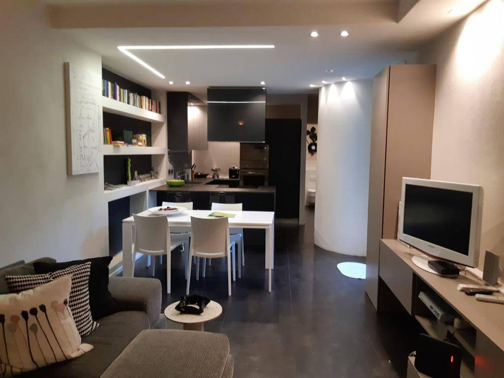 Appartamento in ottime condizioni arredato in affitto Rif. 8895635