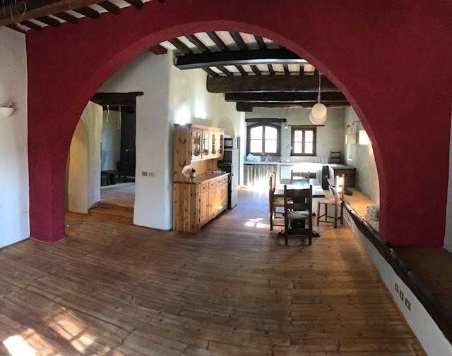 Appartamento in ottime condizioni arredato in affitto Rif. 8897223