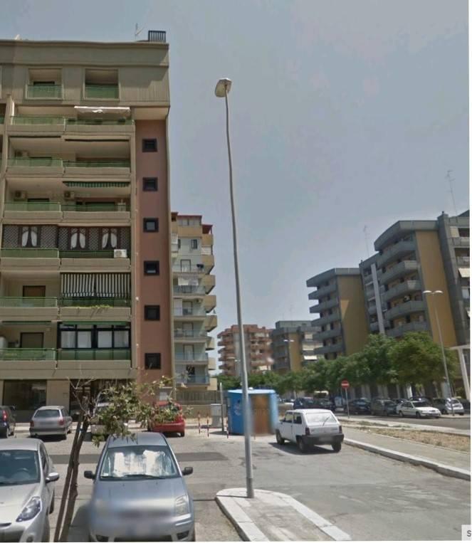 Appartamento in buone condizioni in vendita Rif. 8896468