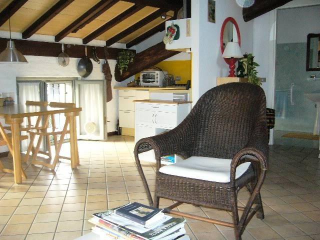 Attico / Mansarda in buone condizioni arredato in affitto Rif. 8896680