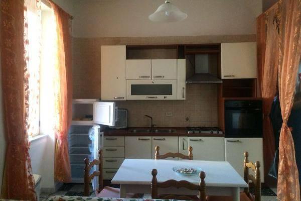 Appartamento in buone condizioni arredato in affitto Rif. 7226529