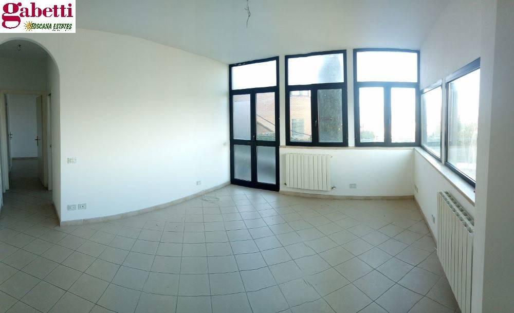 Appartamento in ottime condizioni in vendita Rif. 8896565