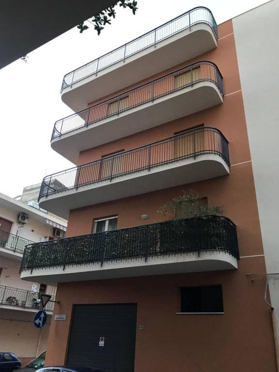 Appartamento in ottime condizioni in vendita Rif. 8895377
