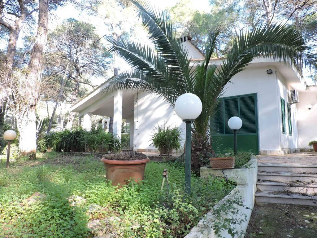 Villa singola piano terra VENDESI AFFARE a Castellaneta M.