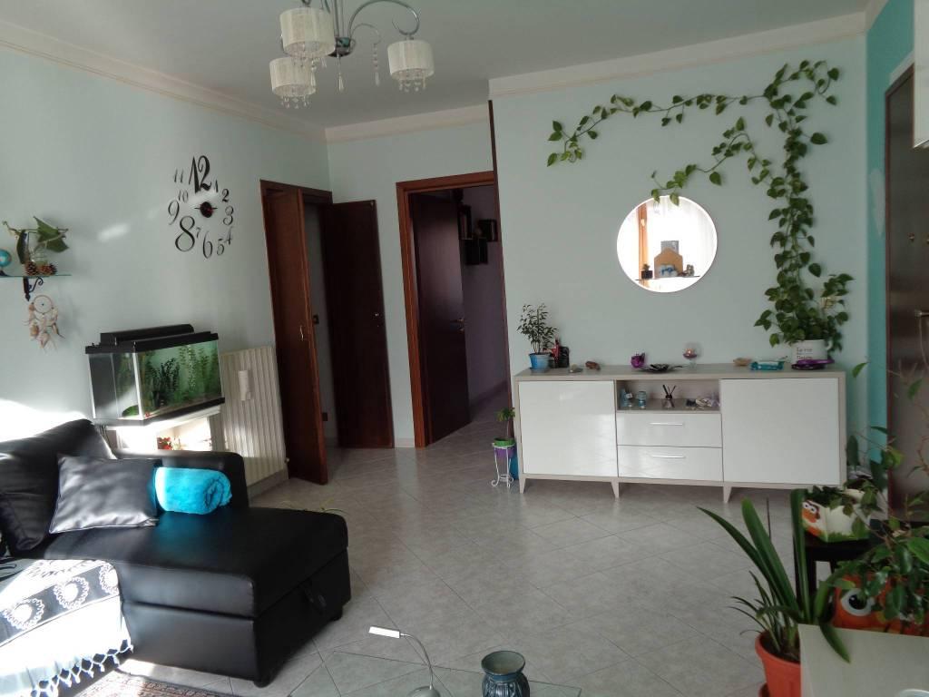 Appartamento in ottime condizioni in vendita Rif. 7400060