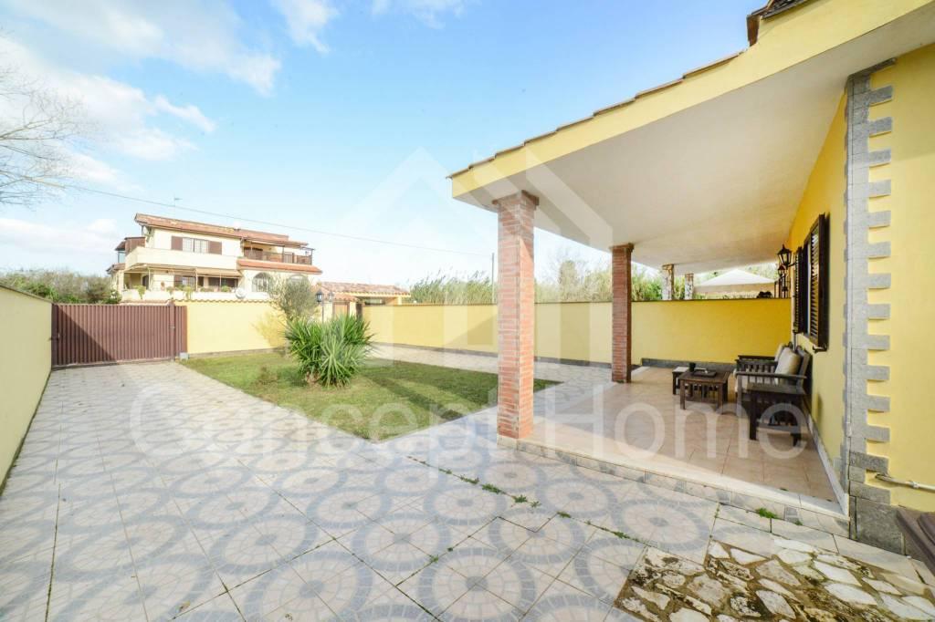 Villa in vendita a Roma, 3 locali, prezzo € 174.000 | CambioCasa.it