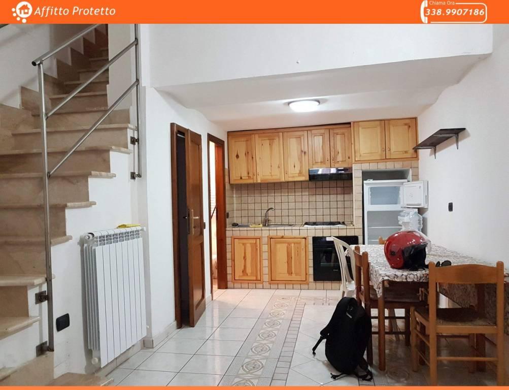 Appartamento in buone condizioni arredato in affitto Rif. 8897587