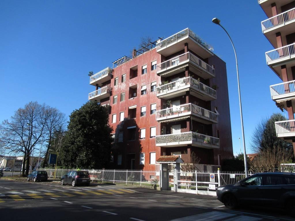 Appartamento da ristrutturare arredato in vendita Rif. 8896541
