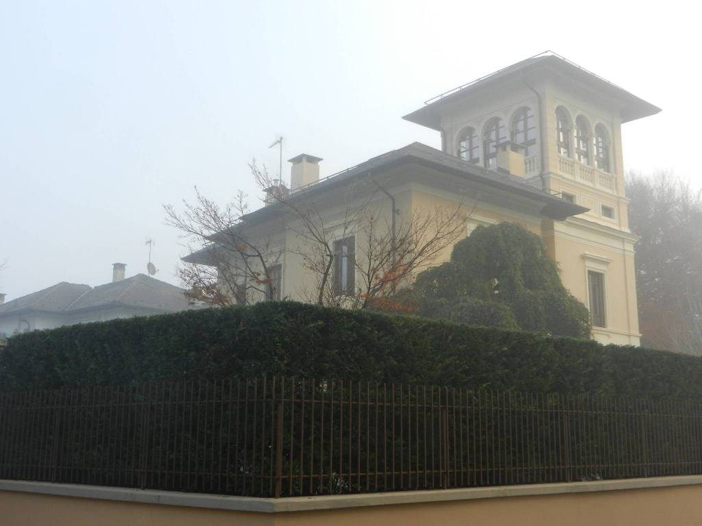 Villa in vendita a Carignano, 8 locali, prezzo € 1.400.000 | PortaleAgenzieImmobiliari.it