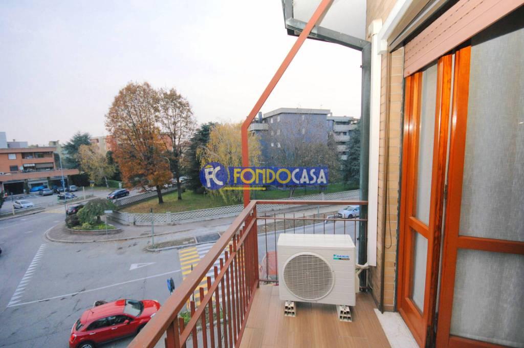 Appartamento in buone condizioni in vendita Rif. 8897309