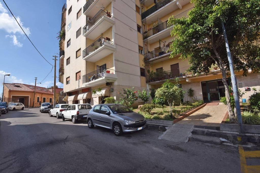 Appartamento da ristrutturare in vendita Rif. 8914281