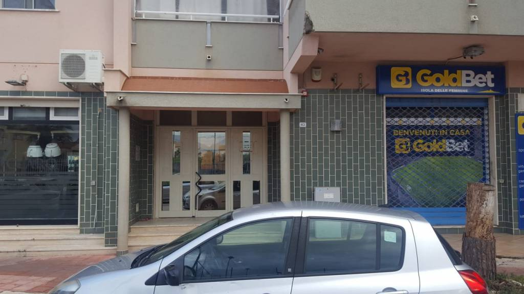 Appartamento in buone condizioni in vendita Rif. 8900472