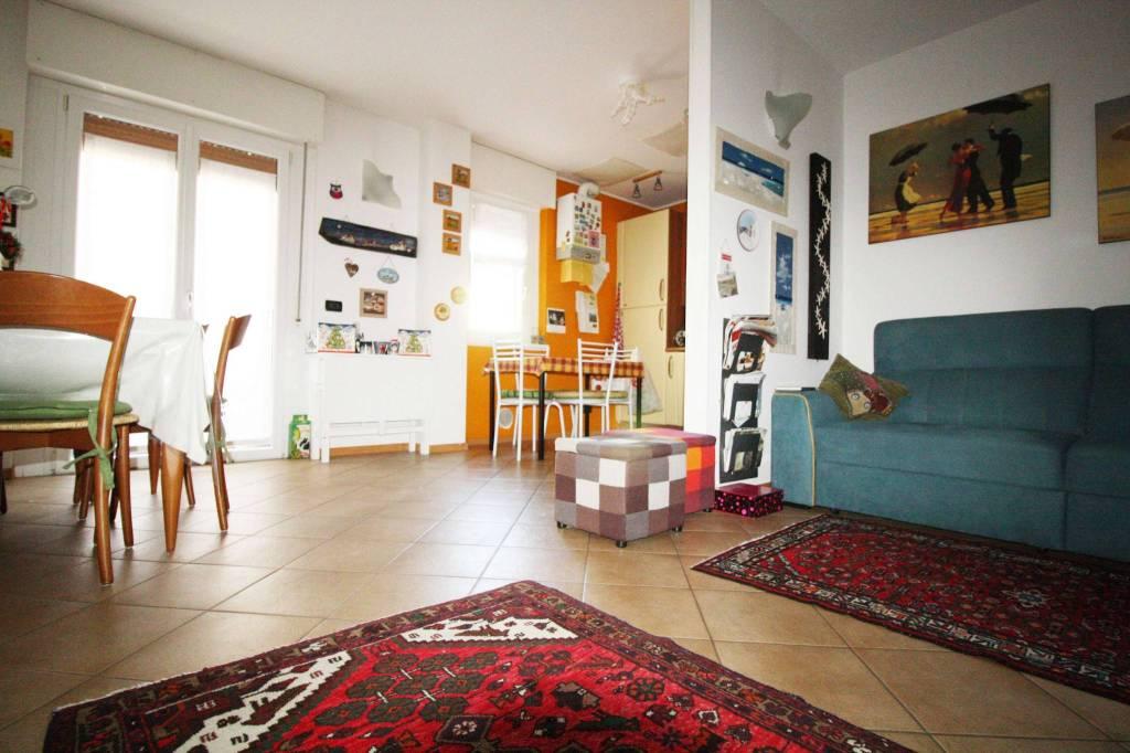 Appartamento in ottime condizioni in vendita Rif. 8897825