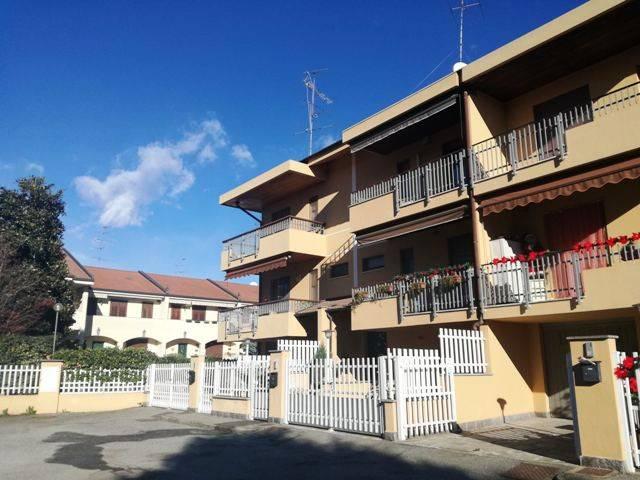 Villetta a schiera in buone condizioni in vendita Rif. 8896590