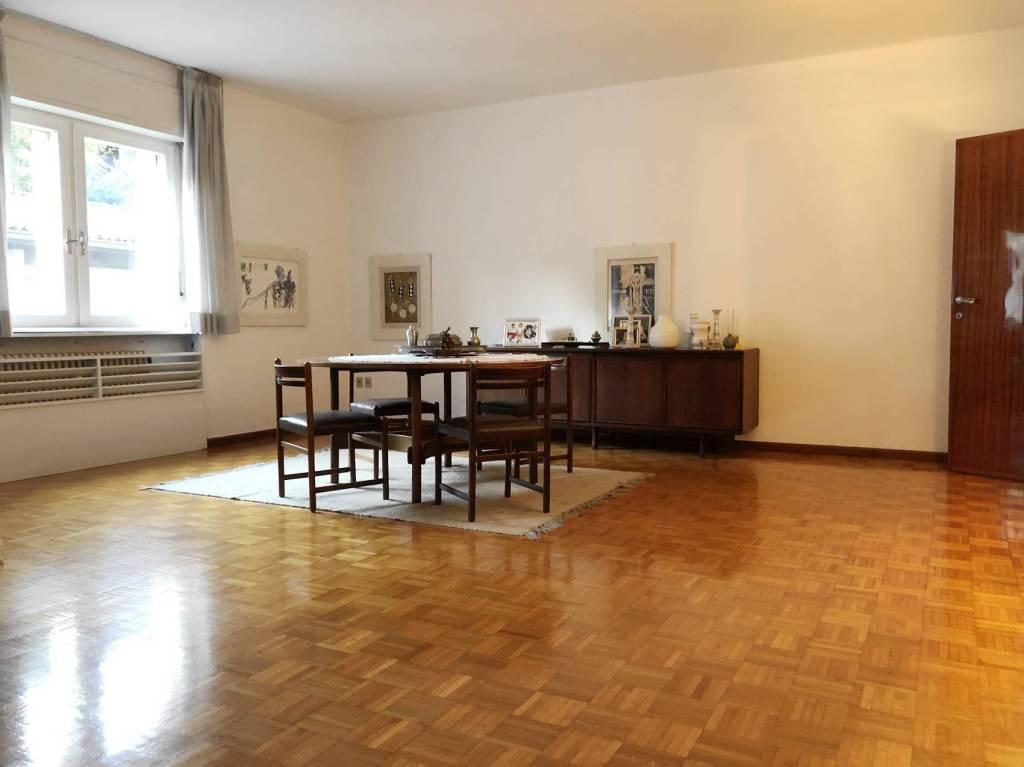 Appartamento da ristrutturare parzialmente arredato in vendita Rif. 8895370