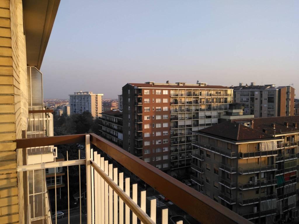 Appartamento in buone condizioni arredato in affitto Rif. 8938824