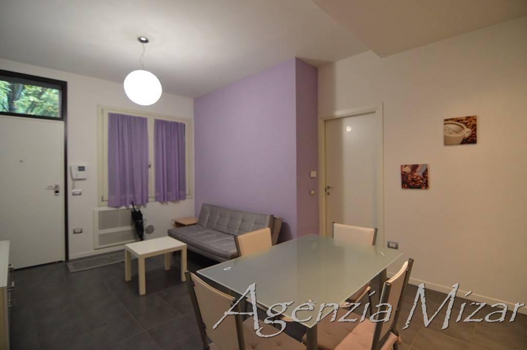 Appartamento in ottime condizioni arredato in affitto Rif. 8898035