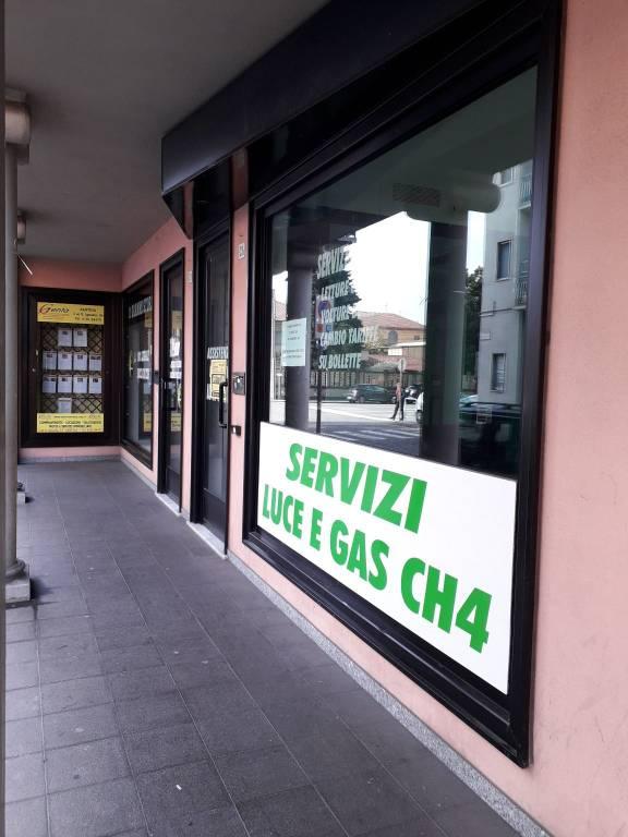 Negozio / Locale in affitto a Santhià, 2 locali, prezzo € 450 | CambioCasa.it