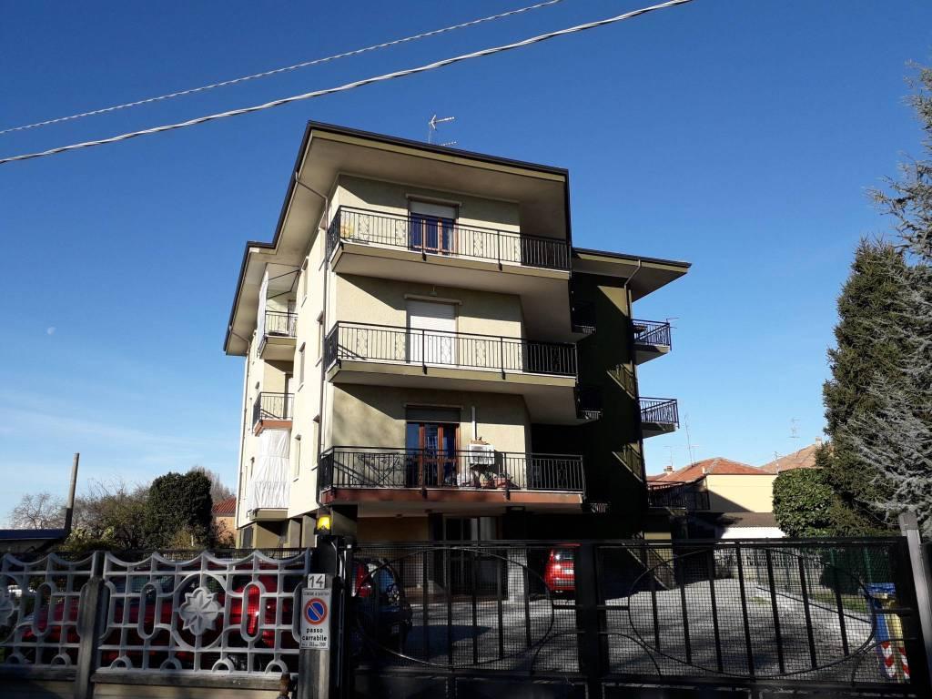 Appartamento in affitto a Santhià, 4 locali, prezzo € 350 | CambioCasa.it
