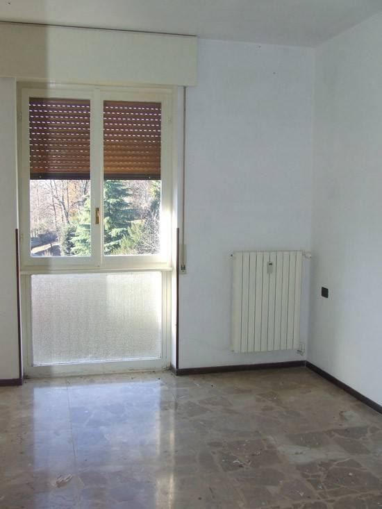 Appartamento in buone condizioni in vendita Rif. 8911032