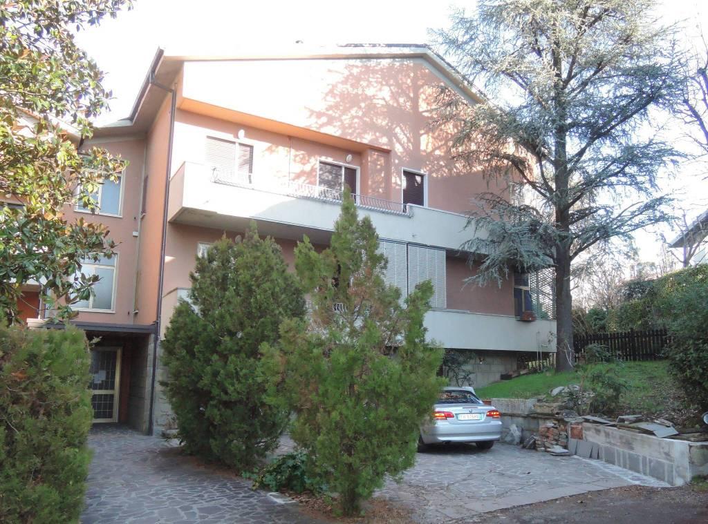 Appartamento da ristrutturare in vendita Rif. 8910337