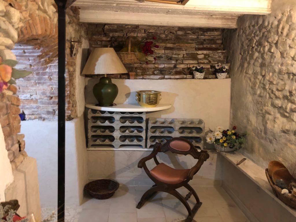 Stabile / Palazzo in ottime condizioni arredato in vendita Rif. 8913452