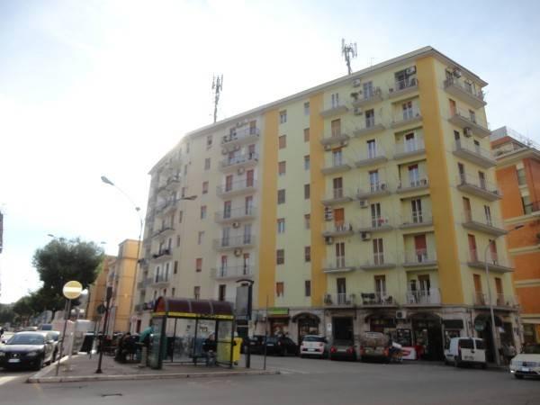 Appartamento in ottime condizioni in affitto Rif. 8911584