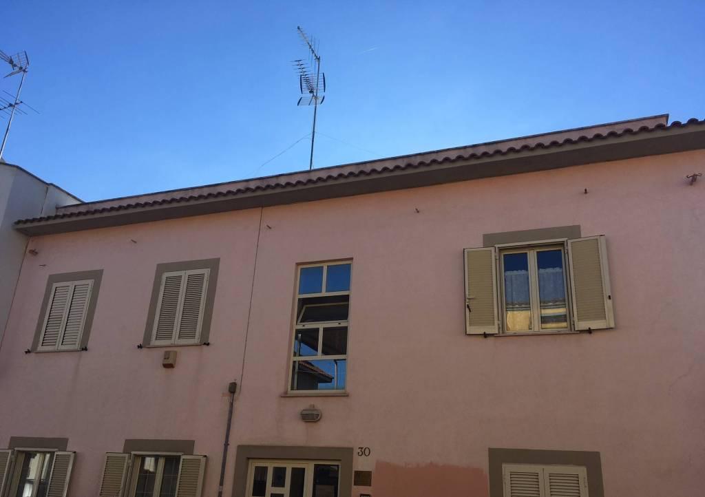 Appartamento in ottime condizioni in vendita Rif. 8911182
