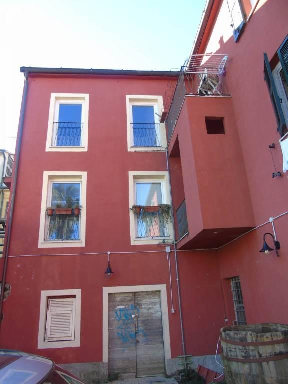 Appartamento in affitto a Bolano, 4 locali, prezzo € 500 | PortaleAgenzieImmobiliari.it