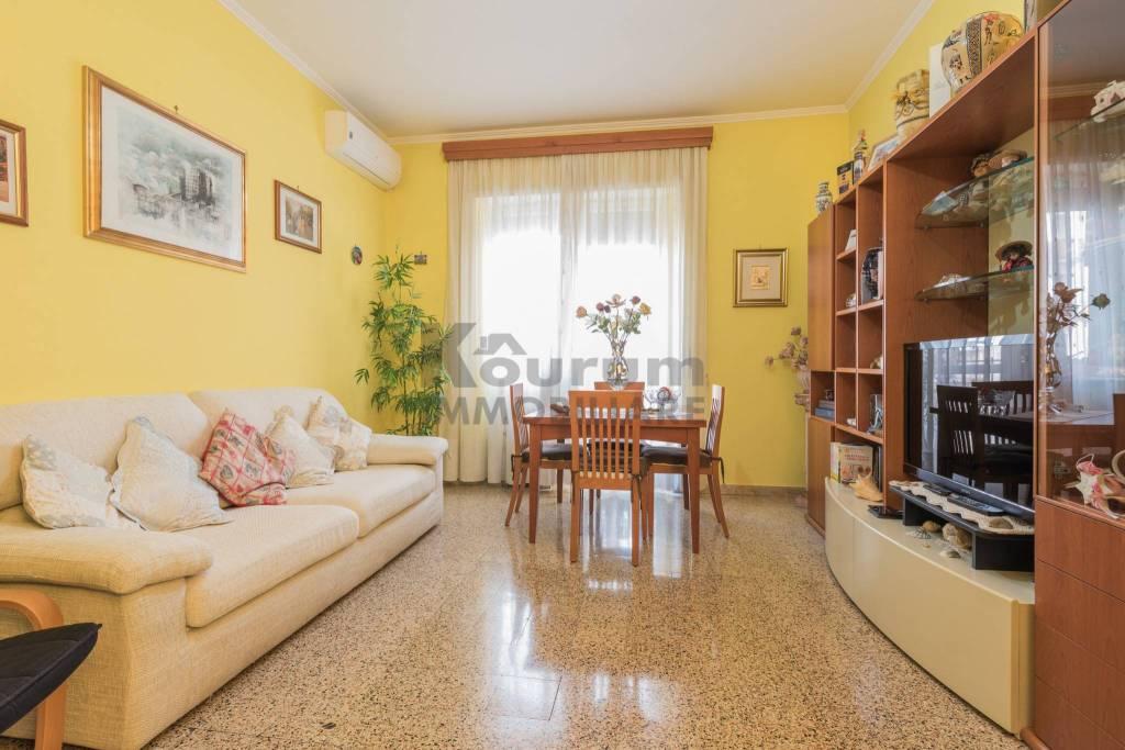 Appartamento in ottime condizioni in vendita Rif. 8909141