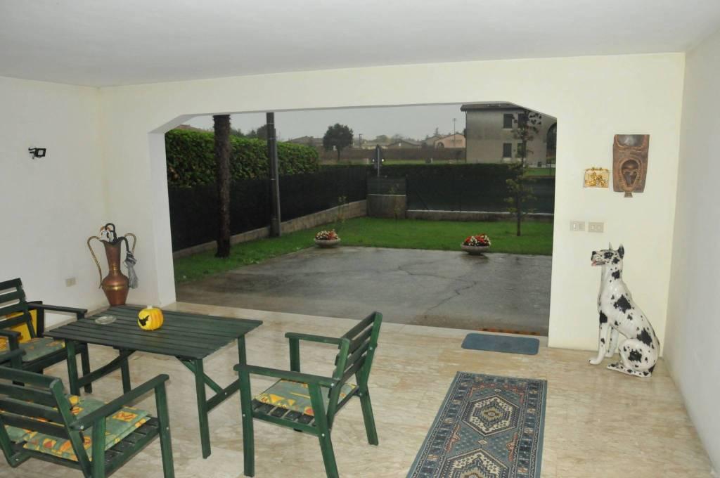 Villa in buone condizioni in vendita Rif. 8910788