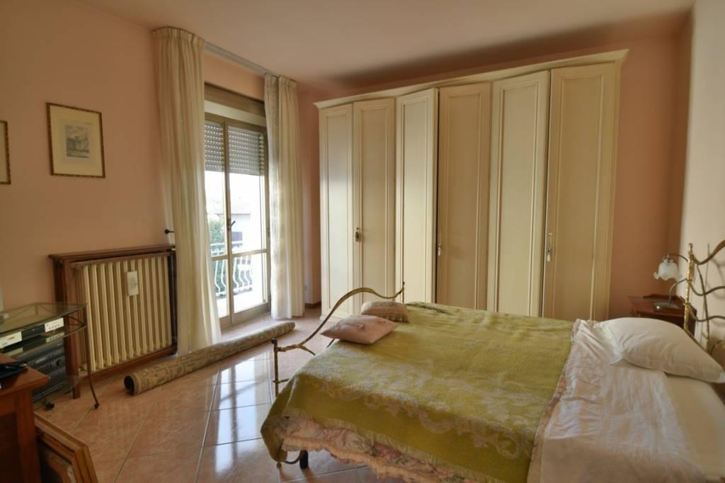 Appartamento in buone condizioni in vendita Rif. 8909101