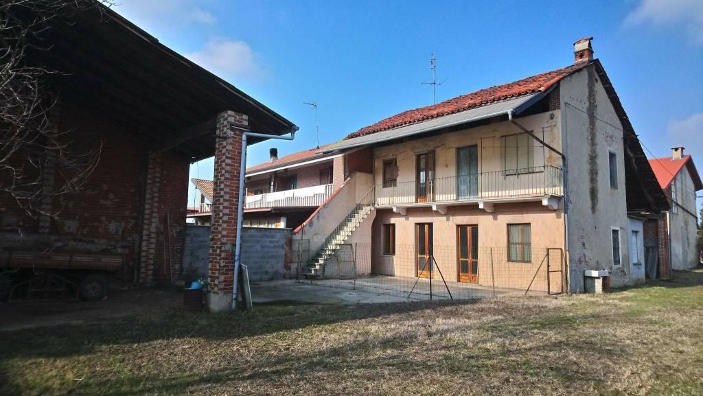 Rustico / Casale da ristrutturare in vendita Rif. 8912493