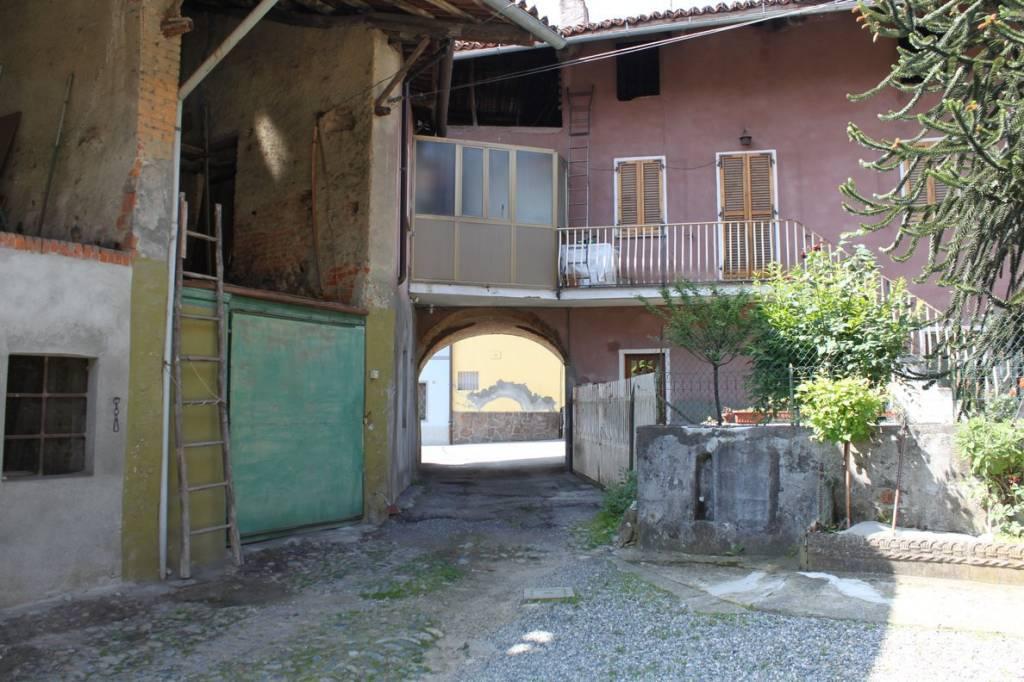 Stabile / Palazzo da ristrutturare in vendita Rif. 8912496