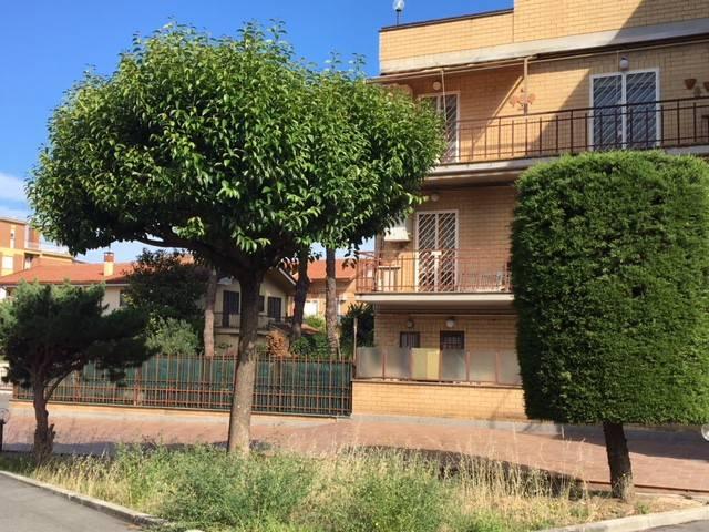 Appartamento da ristrutturare in vendita Rif. 8908796