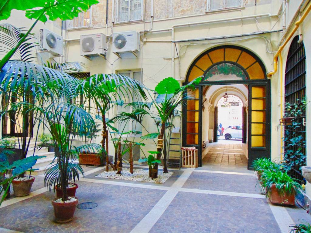 Via Sicilia, appartamento uso ufficio in locazione Rif. 8913597